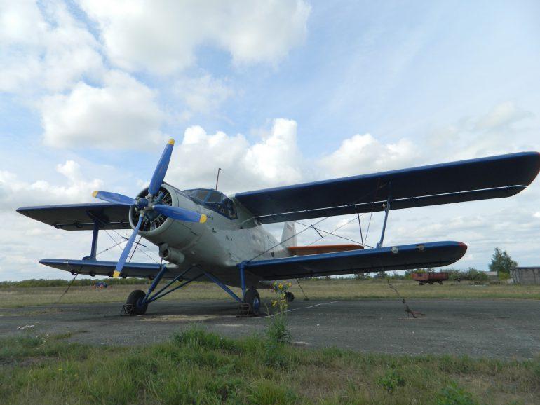 В Полтавской области из ангара украли самолет Ан-2
