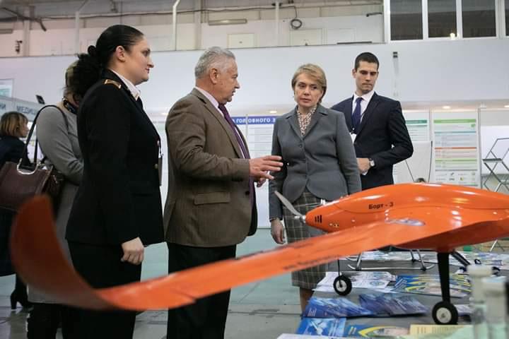 НАУ показал беспилотники и другие разработки на инновационном форуме