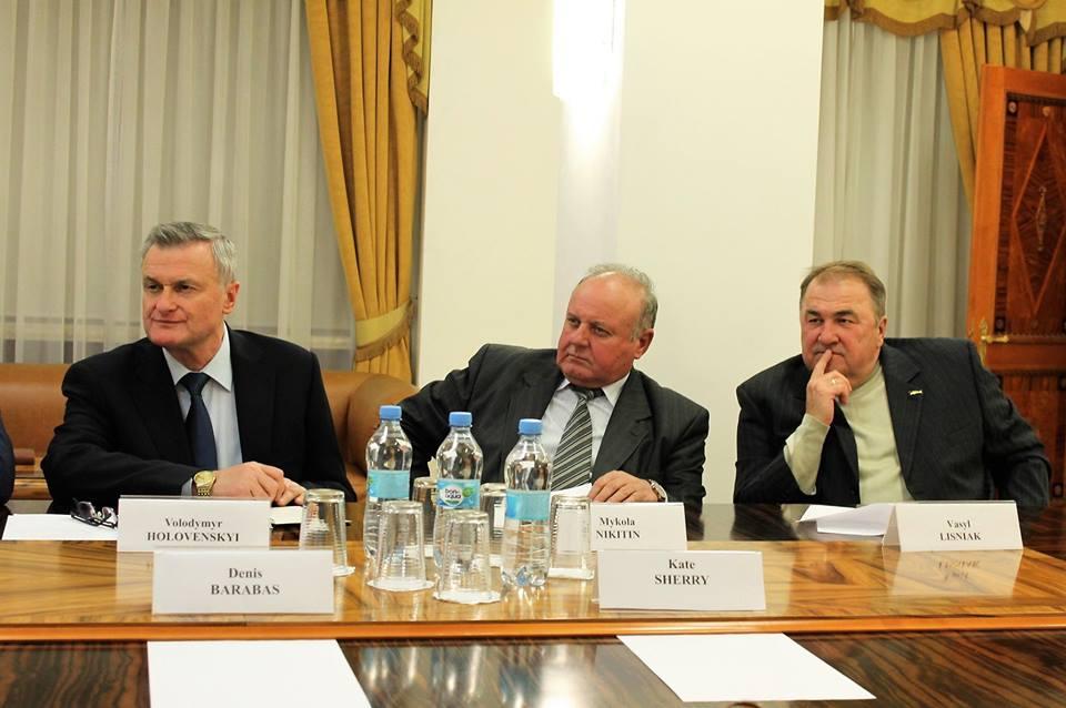 Владимир Омелян и Дэвид О'Брайан встретились с представителями украинских авиационных ВУЗов