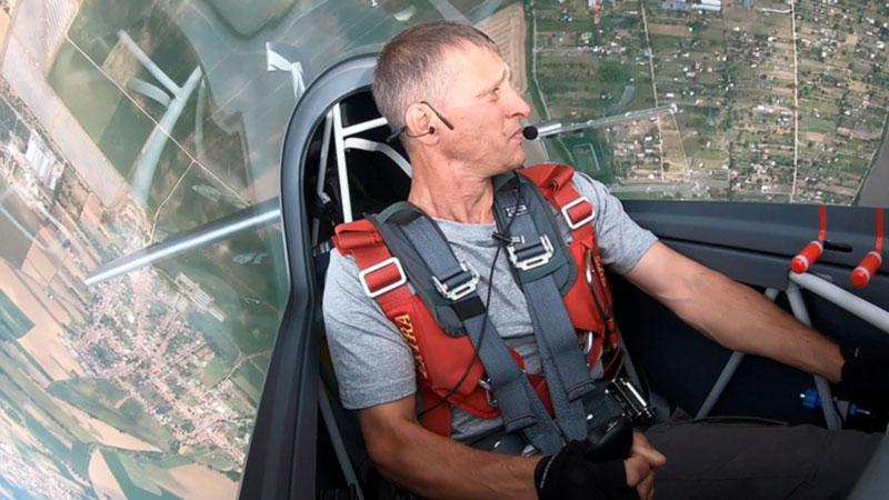 Хруст позвонков и чечетка на педалях. Как украинские летчики стали чемпионами мира по высшему пилотажу