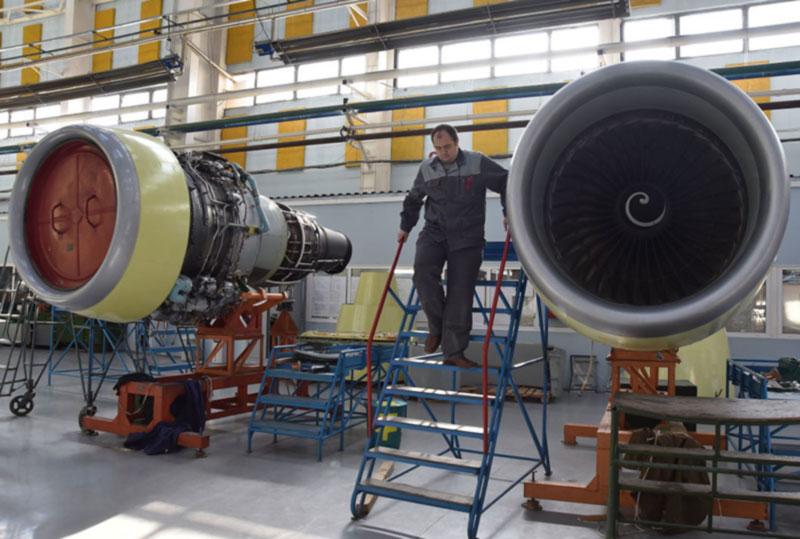 Российский авиазавод сокращает персонал из-за санкций Украины