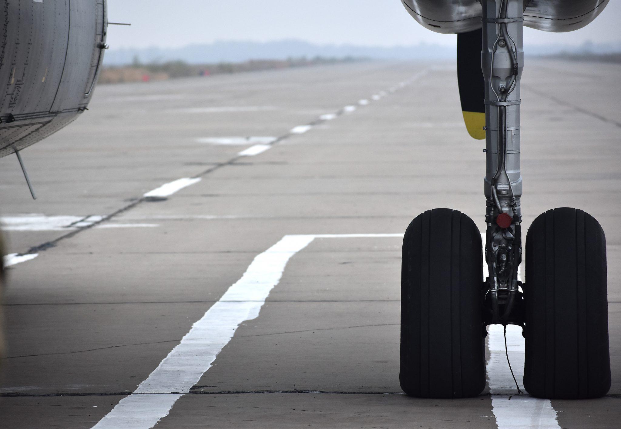 Американская техника помогает восстанавливать украинские аэродромы