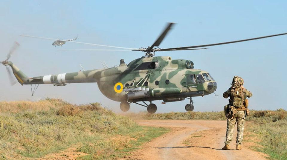 Авиация и ДШВ провели учения на админгранице с Крымом