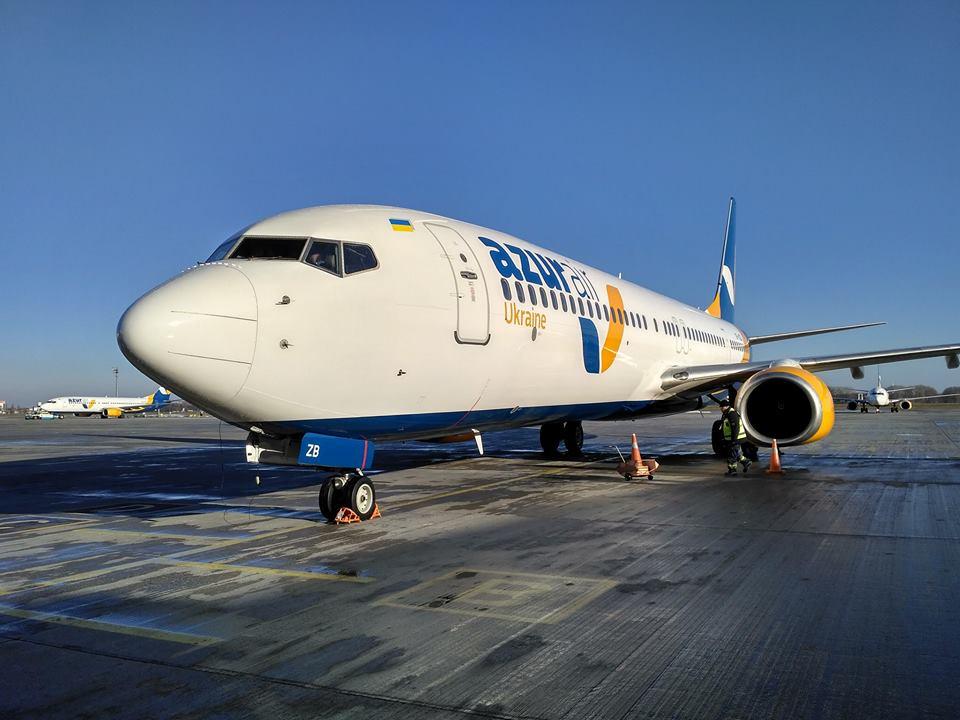 Авиакомпания Azur Air Ukraine пополнит флот самолетами Boeing 737-900ER