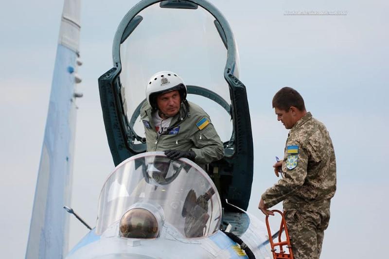 Александр Оксанченко остается в военной авиации