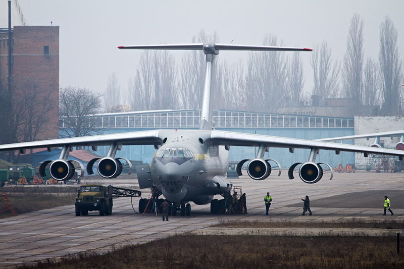 Военные транспортники обновляют для полетов по международным трассам