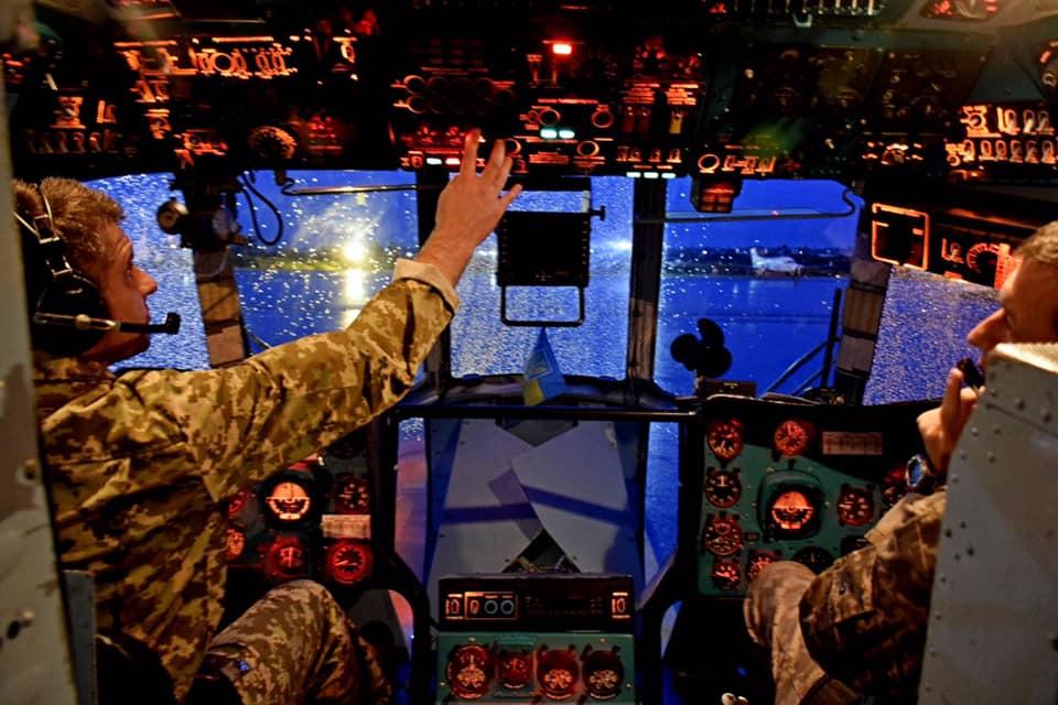Ночные тренировочные полеты украинских вертолетчиков в ДР Конго